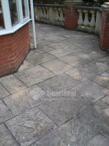 Driveway cleaning glasgow patio cleaning lanarkshire for Cleaning concrete patio slabs